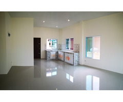 2 bedroom house in central Ban Phe!