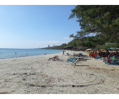 2 land plots next to the tempel and the beach!